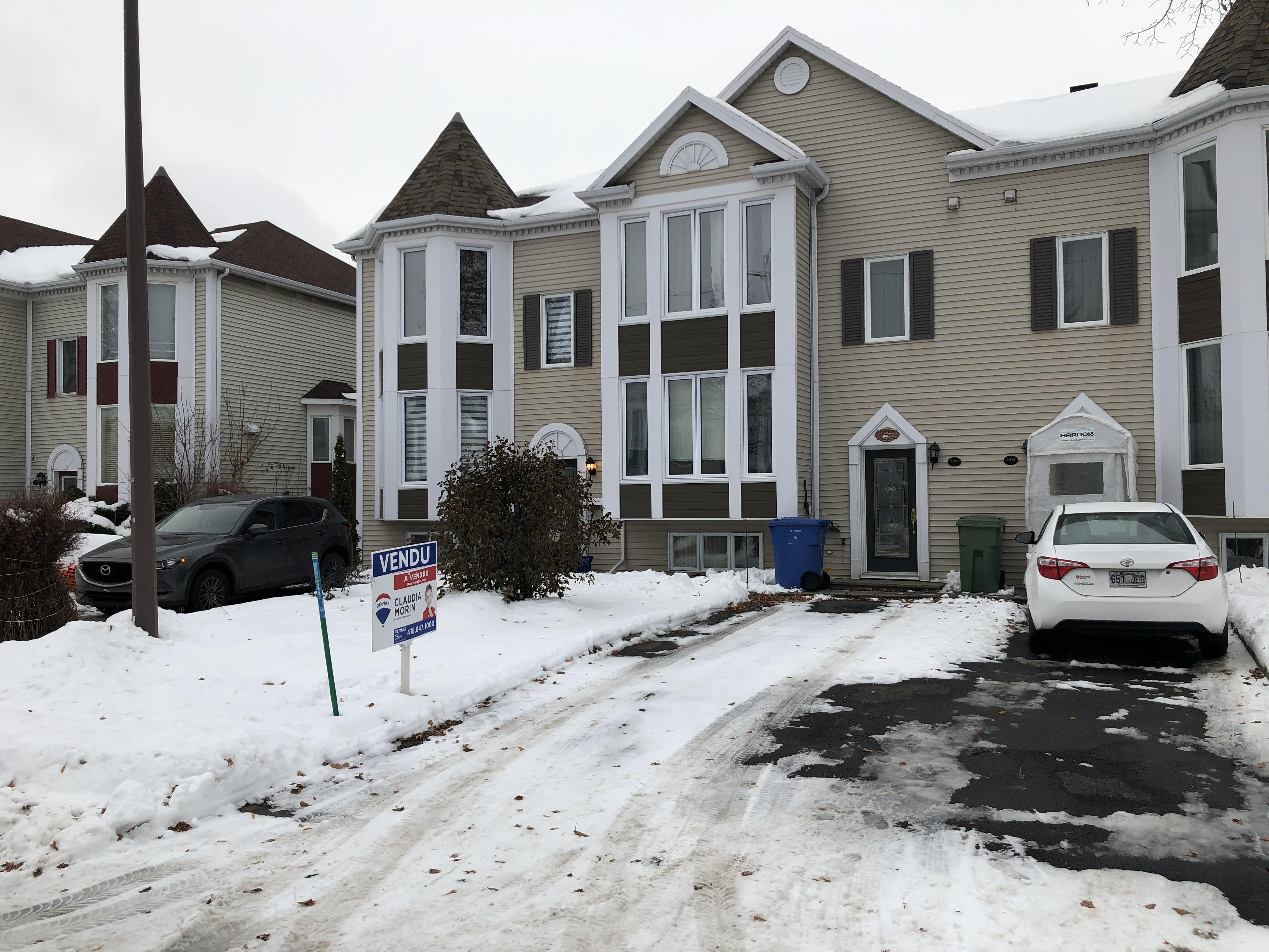 3416 Dubé, Duberger Les Saules, Claudia Morin agent d'immeuble Remax courtier immobilier coutière